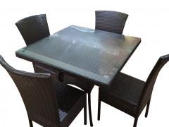 Обеденный комплект на 4 персоны (4 стула с подушками и стол с каленым стеклом 5 мм) [ФМ4600]
